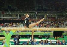 荷兰的奥林匹克冠军Sanne Wevers竞争在平衡木妇女的艺术性的体操的决赛 免版税库存照片