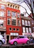 荷兰的建筑学 大厦和运河在阿姆斯特丹 免版税库存图片