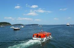 荷兰美国游轮Maasdam招标小船 库存图片
