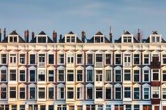 荷兰老白色房子行  免版税库存图片