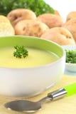 荷兰芹土豆汤 免版税库存照片