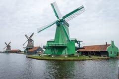 荷兰语传统风车 免版税库存图片