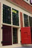 荷兰语房子老视窗 免版税图库摄影