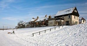 荷兰语捕鱼老沿海岸区村庄冬天 库存照片