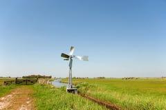 荷兰语横向垂直watermill 免版税图库摄影
