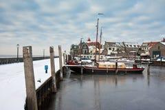 荷兰语渔场港口urk村庄冬天 库存图片
