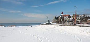 荷兰语老村庄冬天 免版税库存图片