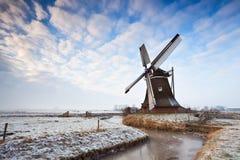荷兰语风车和cloudscape 免版税图库摄影