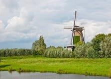 荷兰语terheijden村庄风车 图库摄影