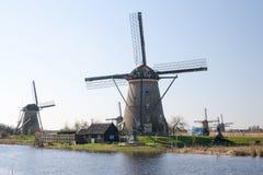 荷兰,荷兰风车在小孩堤防环境美化靠近鹿特丹,联合国科教文组织世界遗产 免版税库存照片