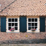 荷兰:一个老传统荷兰样式的一个房子 库存照片