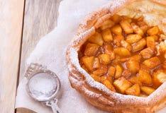 荷兰婴孩薄煎饼用苹果 库存图片