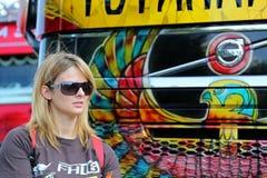 莉萨凯利在芬兰招呼爱好者 免版税库存照片