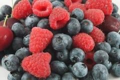 莓果堆  免版税库存图片