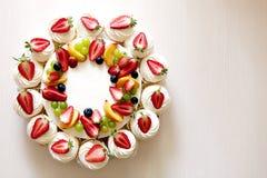 莓果村庄乳酪蛋糕 库存图片