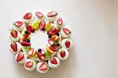 莓果村庄乳酪蛋糕 库存照片
