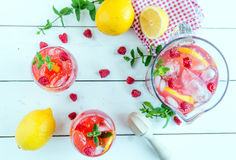 莓柠檬水 免版税库存图片