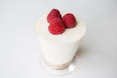 莓Chesse蛋糕杯 库存图片