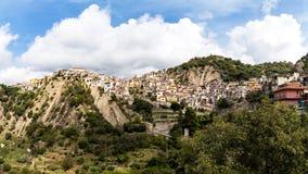 莫塔卡马斯特拉全景,一个村庄在西西里岛 免版税图库摄影