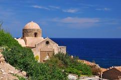 莫奈姆瓦夏的,希腊拜占庭式的教会 免版税库存照片
