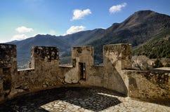 莫拉诺卡拉布罗城堡, Pollino国家公园,意大利 库存照片