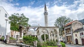 莫斯塔尔,波黑- 2014年5月1日:从莫斯塔尔镇的清真寺  免版税库存照片