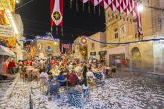 莫斯塔,马耳他- 8月15日 2016年:莫斯塔节日在与庆祝马尔他人民的晚上 免版税库存照片