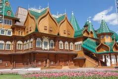 美丽的木宫殿在Kolomenskoe 库存图片