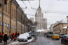 莫斯科上部Radishevskaya街道在冬天 免版税库存图片