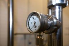 莫斯科俄国 2018年2月07日:白合金-酿造设备压力表测压器  免版税图库摄影
