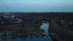 莫斯科俄罗斯鸟瞰图的湖 股票视频