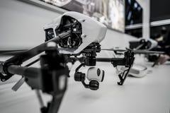 莫斯科俄罗斯:2017年4月01日- DJI Quadcopter打开c的寄生虫商店 免版税库存图片