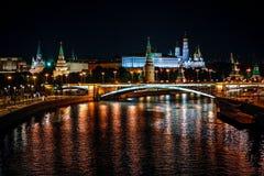 莫斯科克里姆林宫在晚上 库存图片