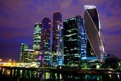 莫斯科国际商业中心莫斯科市在晚上 免版税库存照片
