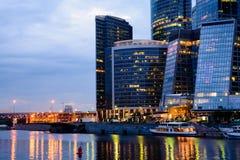 莫斯科国际商业中心莫斯科市在晚上 免版税图库摄影