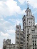 莫斯科在Kotelnicheskaya码头的高层建筑物2011年 免版税库存照片