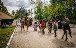莫斯科地区- 9月06日:Borodino历史再制定争斗在它的203周年的 免版税库存照片