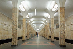 莫斯科地铁,驻地Avtozavodskaya内部  库存照片