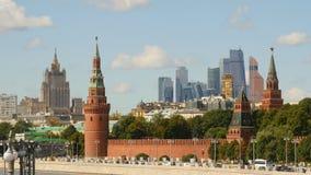 莫斯科城市2的背景的克里姆林宫 库存图片