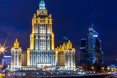莫斯科夜视图,斯大林传奇摩天大楼  库存图片