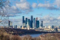 莫斯科市冬天晚上,俄罗斯 国际商业中心 免版税库存照片