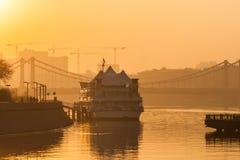 莫斯科河俄国烟雾 星期四, 11月 20日2014年 天气:太阳, s 库存图片