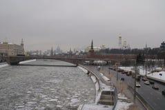 莫斯科河在冬天 免版税图库摄影