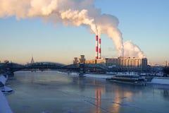 莫斯科河在冬天 免版税库存照片