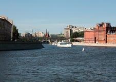 莫斯科河银行 库存照片