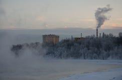冻莫斯科河 免版税库存图片