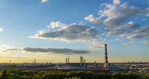 莫斯科石油加工设备 免版税库存照片