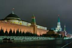莫斯科红场和克里姆林宫在晚上 库存图片
