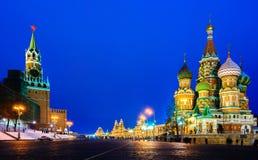 莫斯科红场和圣徒蓬蒿s大教堂夜视图 免版税库存照片
