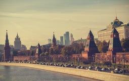 莫斯科老和现代建筑学 库存图片